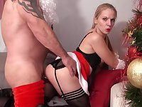 Jess Jamais Sage Pour Noel Merite De Se - french Christmas porn with cumshot